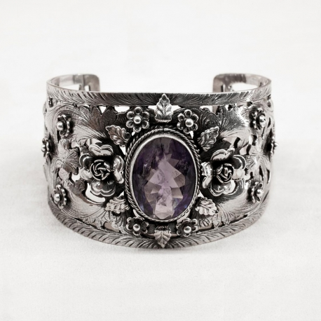 Silver woman bracelet