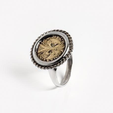 Woman ring